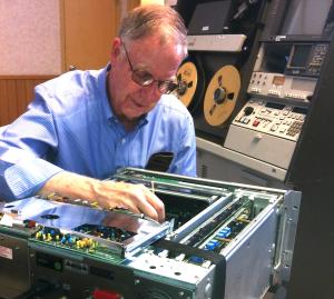 "Ken Zin working on Sony 3/4"" Deck in front of Ampex AVR-3"